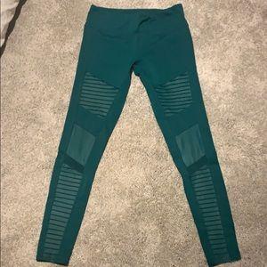 Gently worn Alo yoga Moto leggings.Drk green.szM.